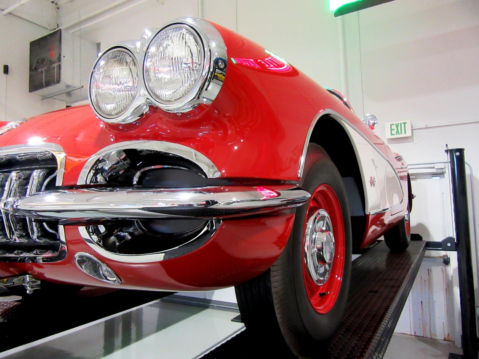 1960 Chevrolet Corvette Top Flight Fuelie